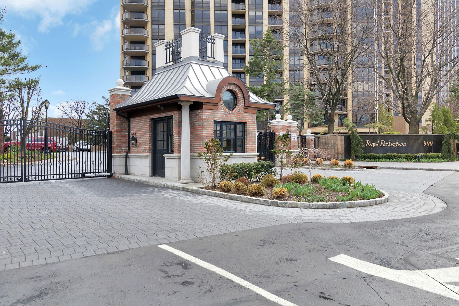 Таунхаус для того Продажа на Kensington Park Townhomes 26 Lenox Court Fort Lee, Нью-Джерси 07024 Соединенные Штаты