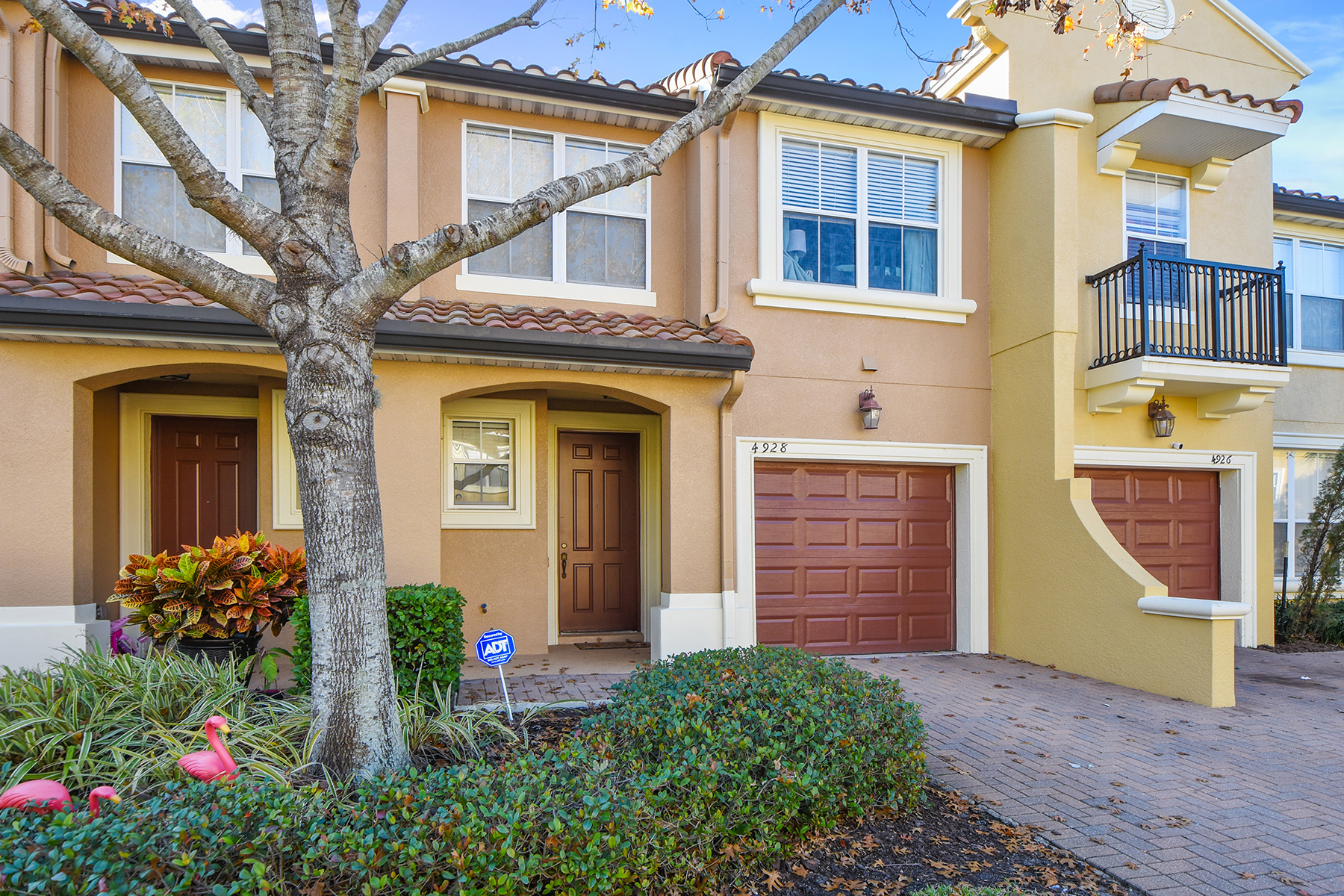 townhouses for Sale at ORLANDO 4928 Luge Ln Orlando, Florida 32839 United States