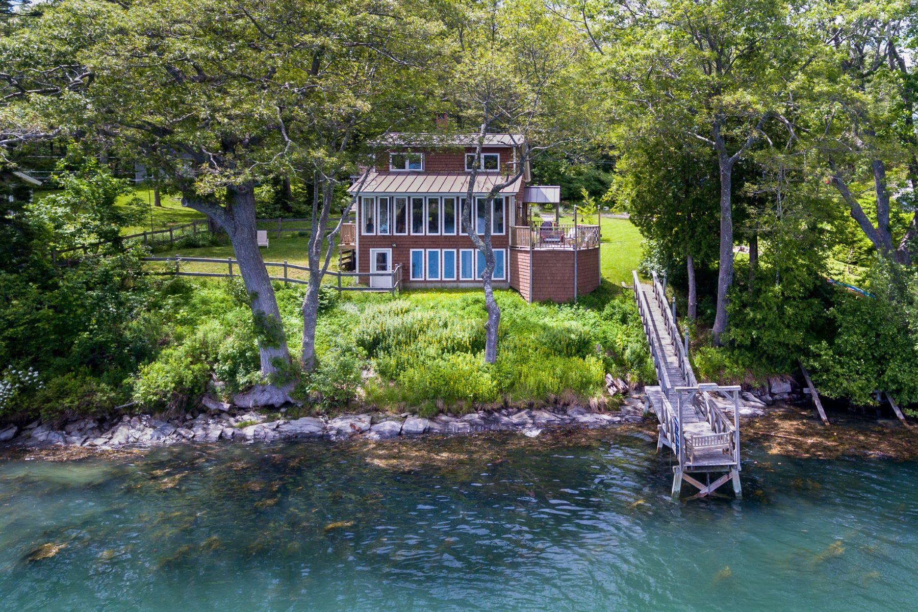 Maison unifamiliale pour l Vente à 38 Wharf Road Harpswell, Maine 04079 États-Unis
