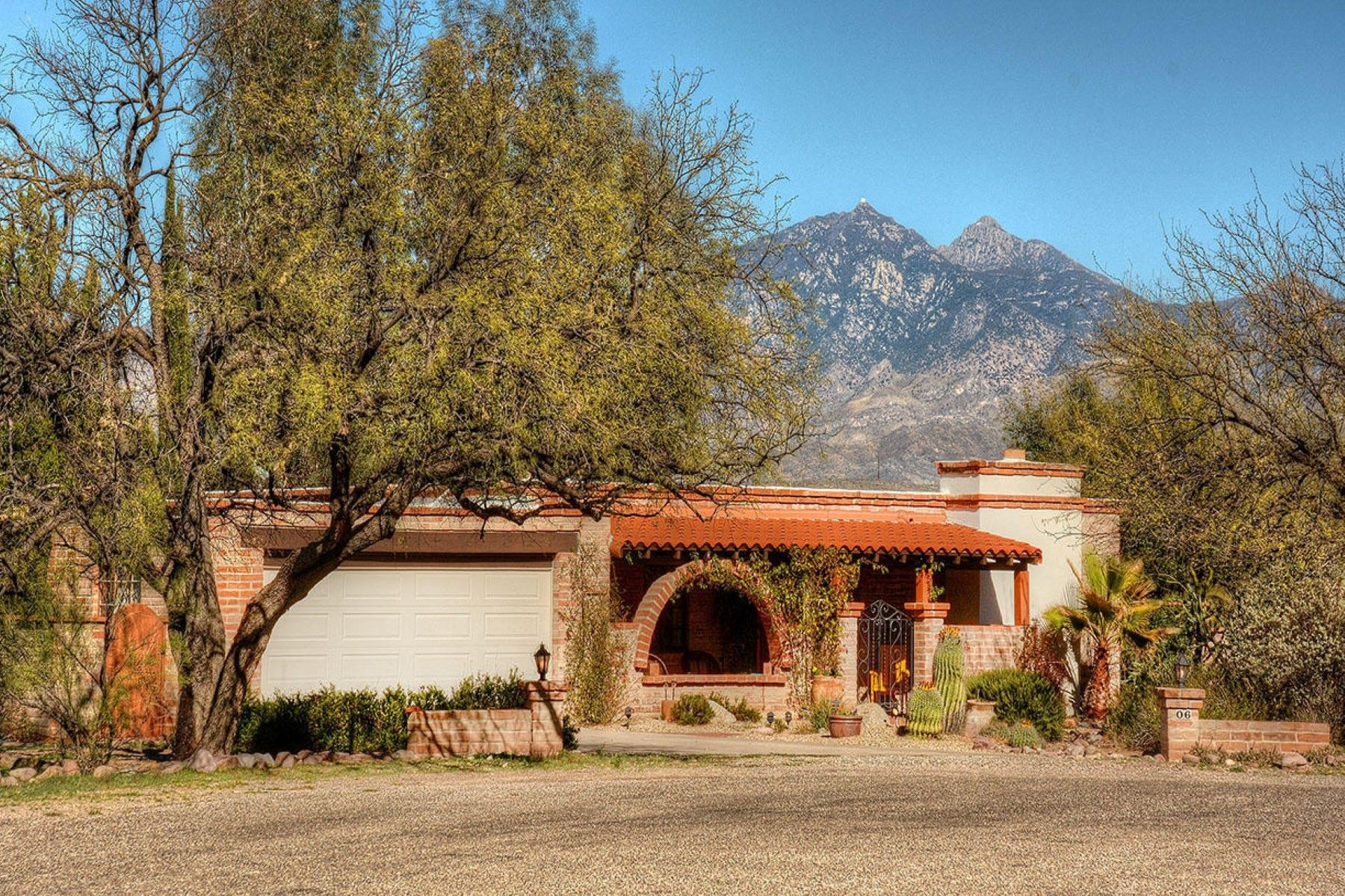 sales property at Old Tubac charm with mountain views