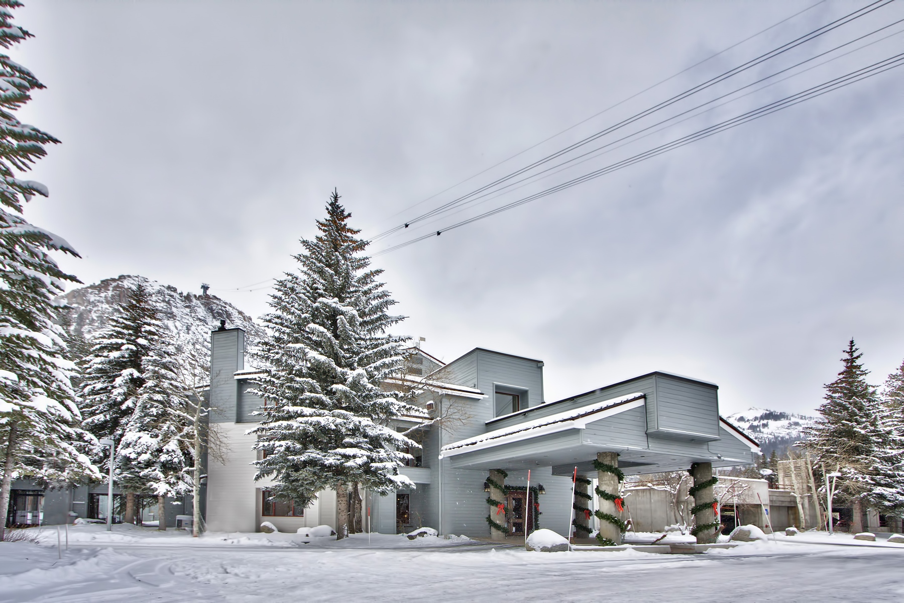 Additional photo for property listing at 201 Squaw Peak Road #710, Olympic Valley, CA 201 Squaw Peak Road #710 Olympic Valley, California 96146 United States