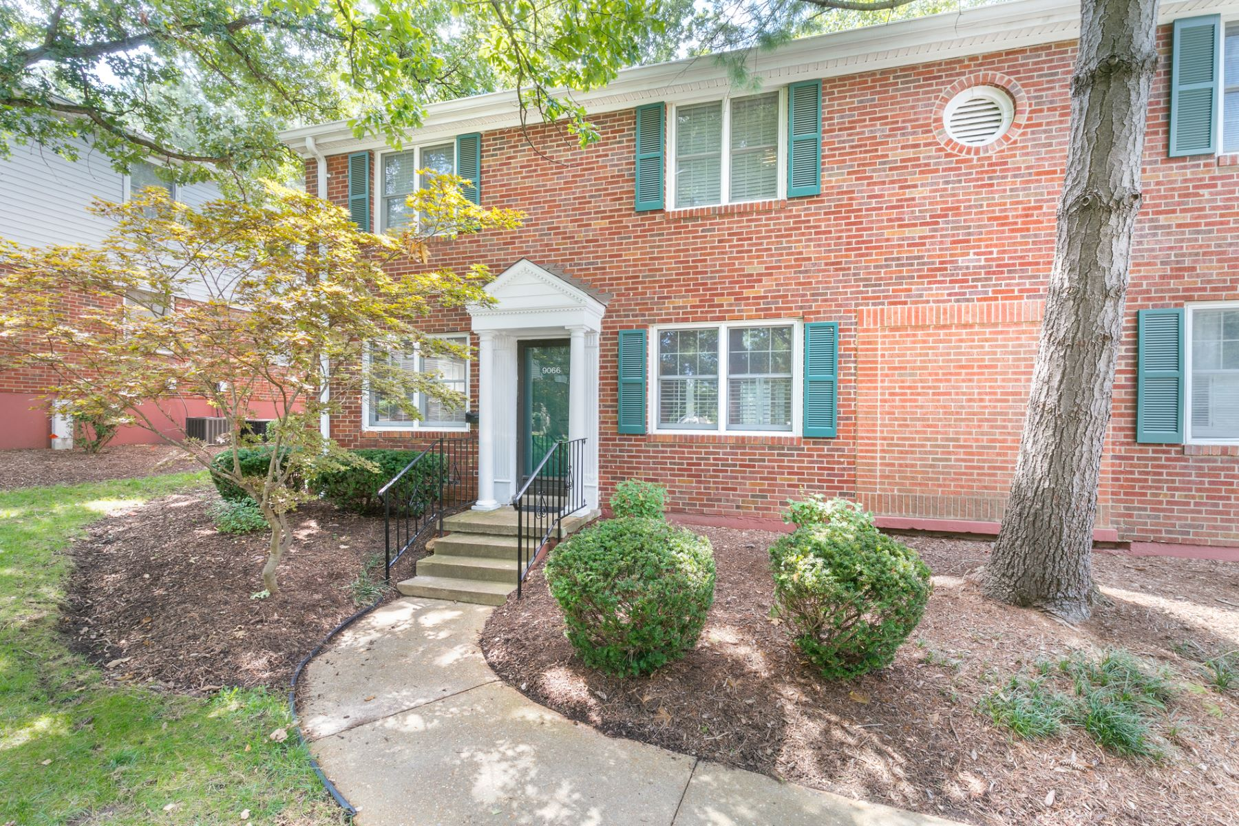 Condominium for Sale at West Swan Circle 9066 West Swan Circle Brentwood, Missouri 63144 United States