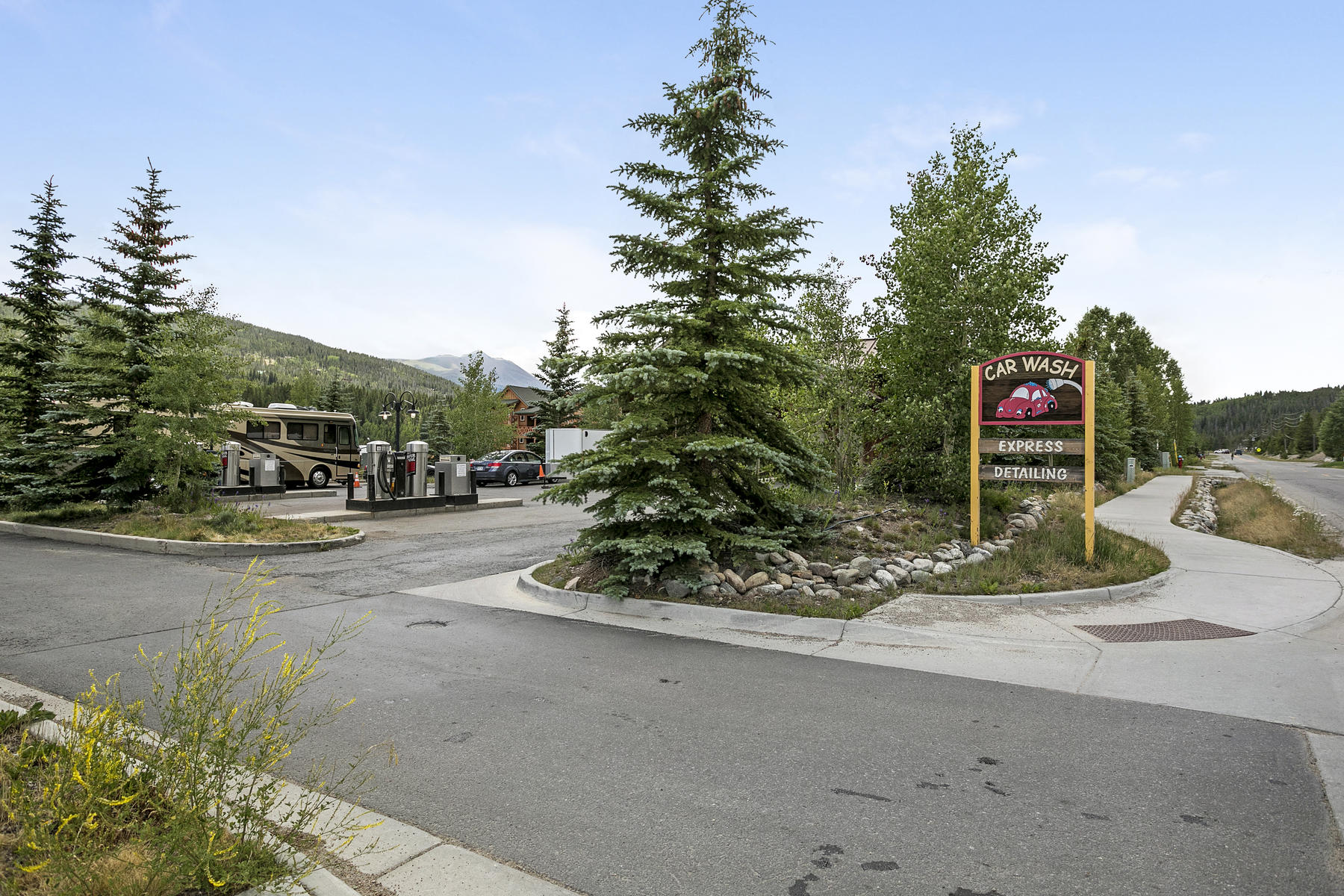 Additional photo for property listing at Airport Road Carwash 1690 Airport Road #0 Breckenridge, Colorado 80424 Estados Unidos