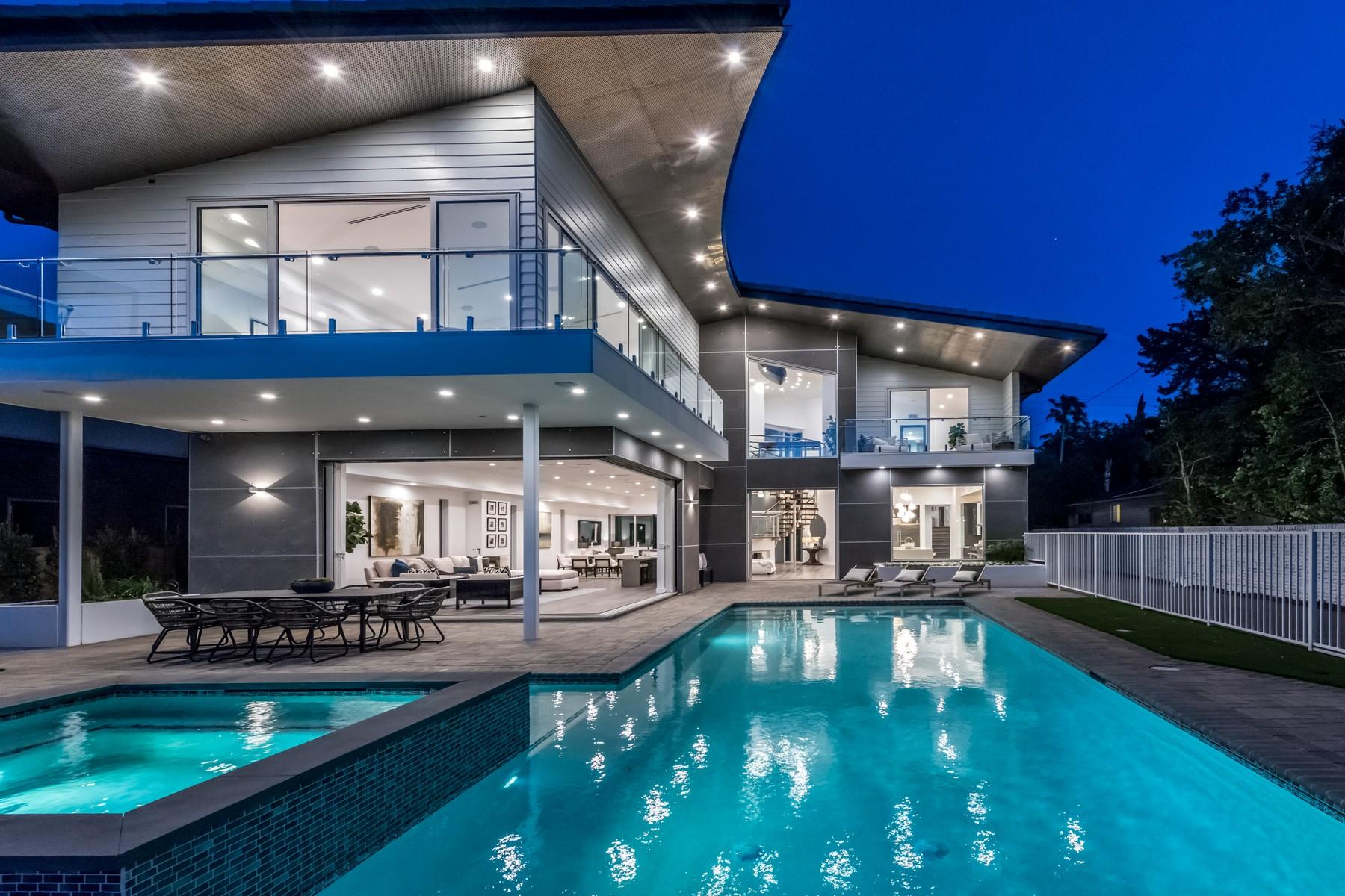独户住宅 为 销售 在 4661 Hayvenhurst Ave 恩西诺, 加利福尼亚州, 91436 美国