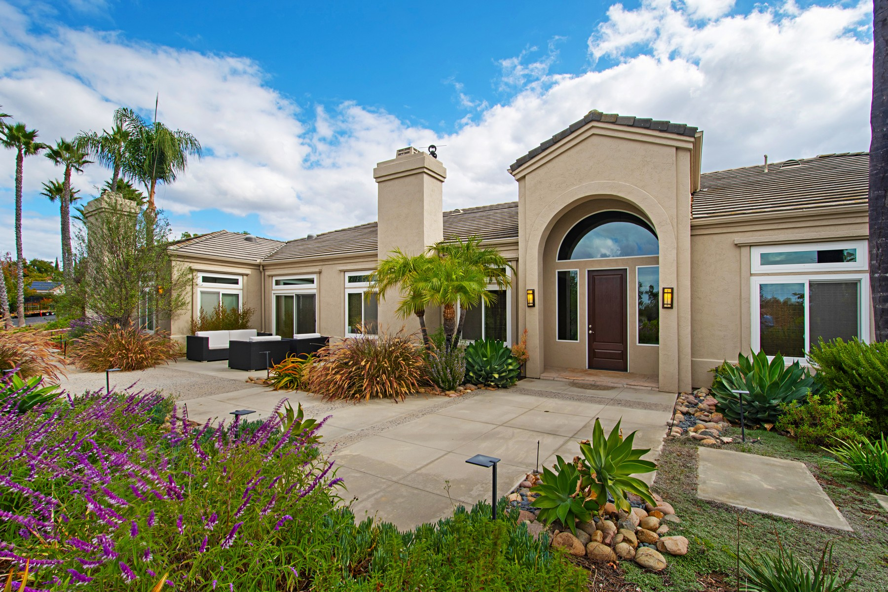 Single Family Home for Active at 16125 Country Day 16125 Country Day Rd Poway, California 92064 United States