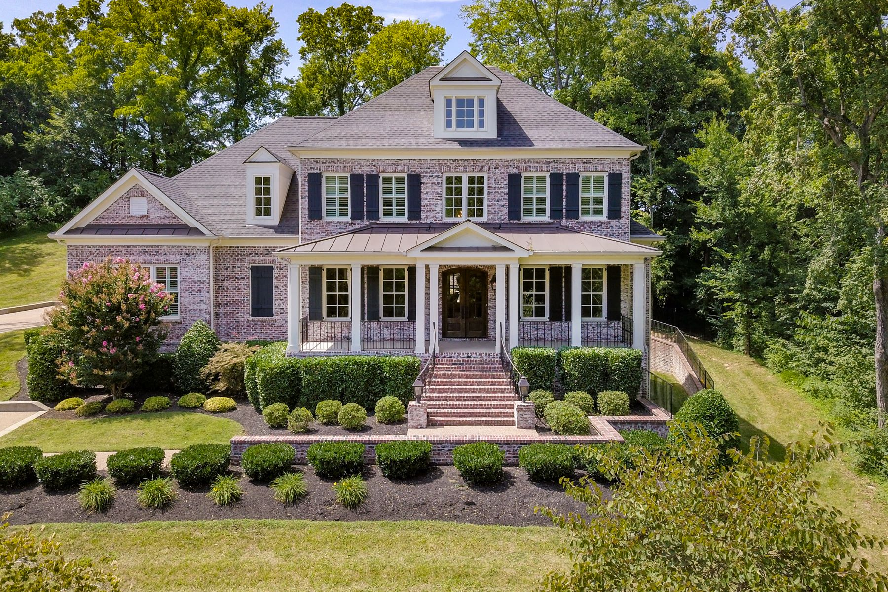 Single Family Homes pour l Vente à Spectacular Luxury in Williamson County 14 Camel Back Court, Brentwood, Tennessee 37027 États-Unis
