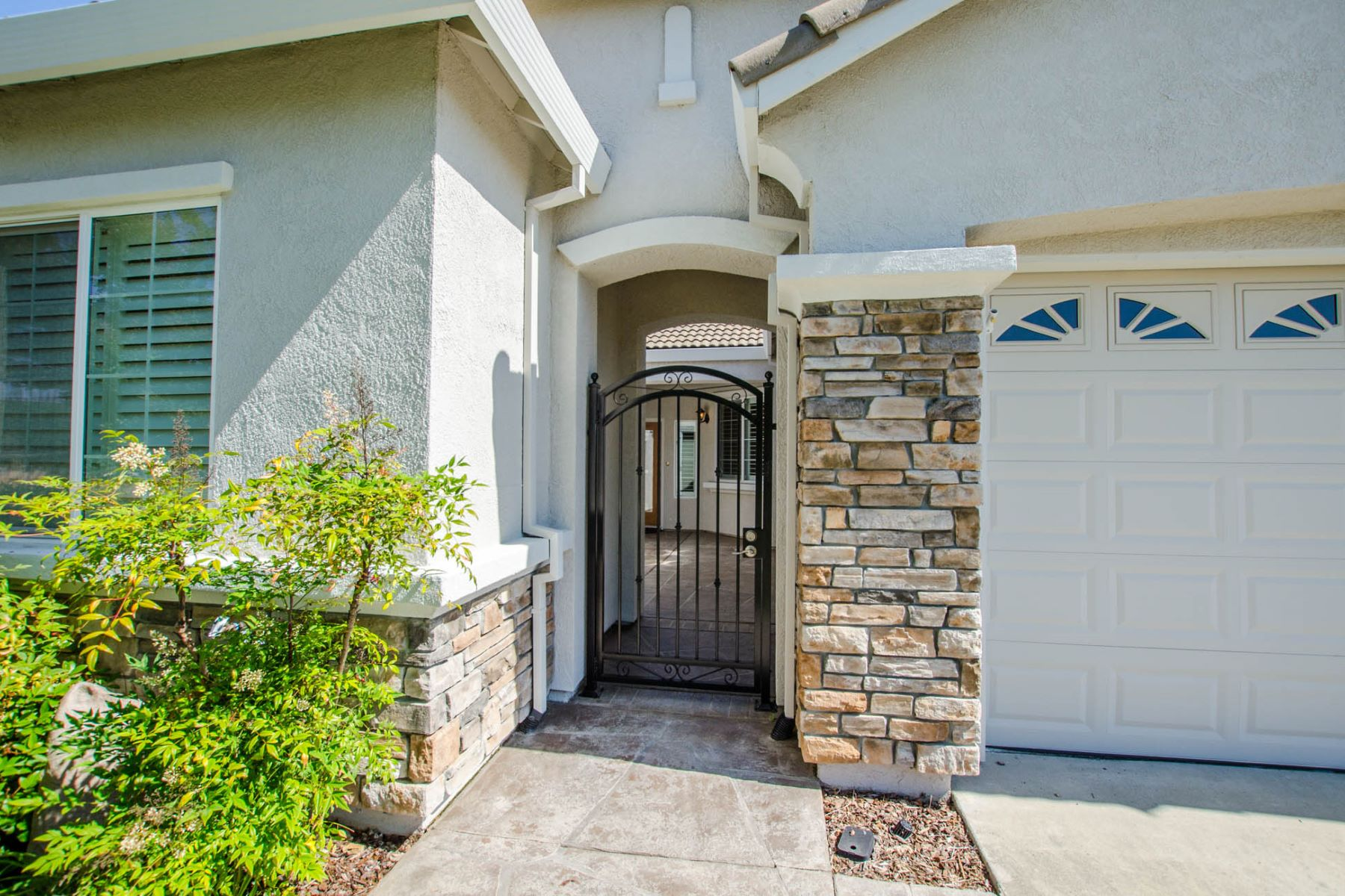 single family homes for Active at 9545 Sun Poppy Way, El Dorado Hills, CA 95762 9545 Sun Poppy Way El Dorado Hills, California 95762 United States