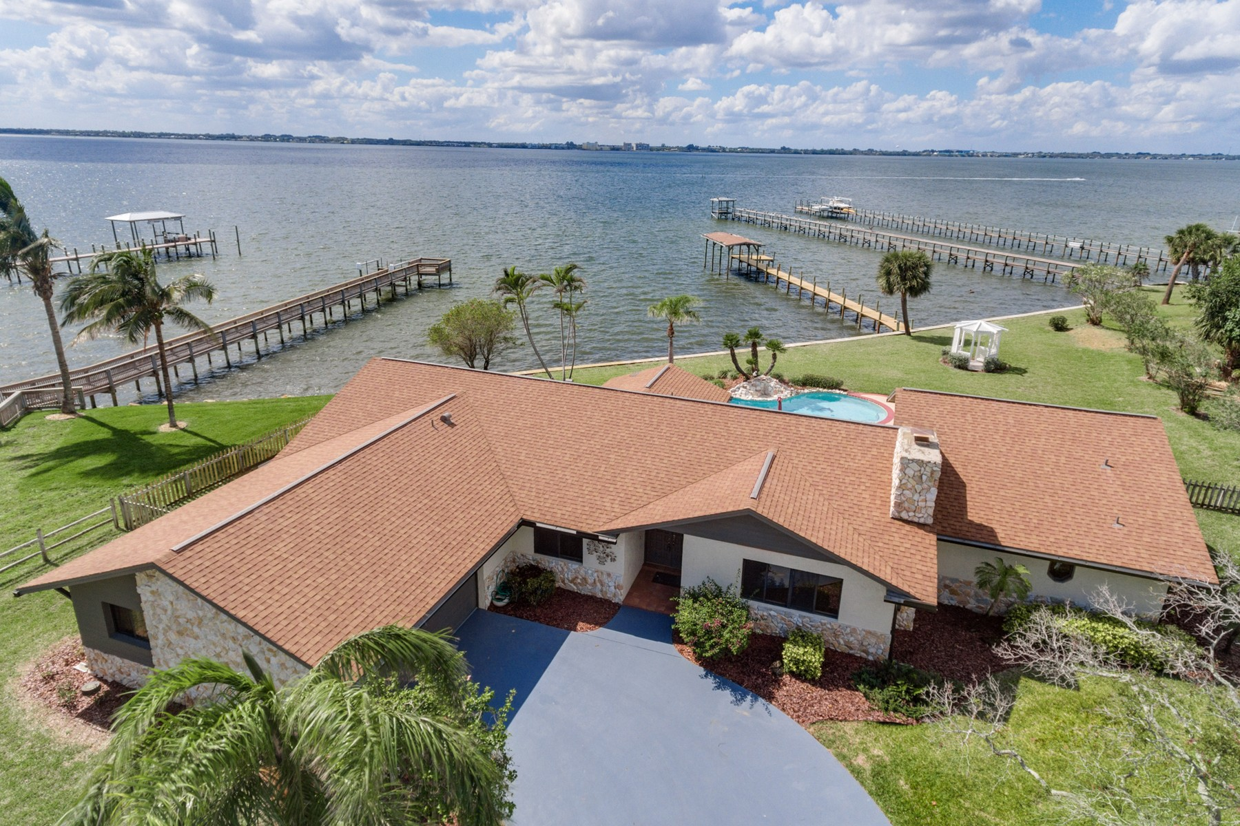 Single Family Home for Sale at 200 Mar-Len Drive Melbourne Beach, Florida 32951 United States