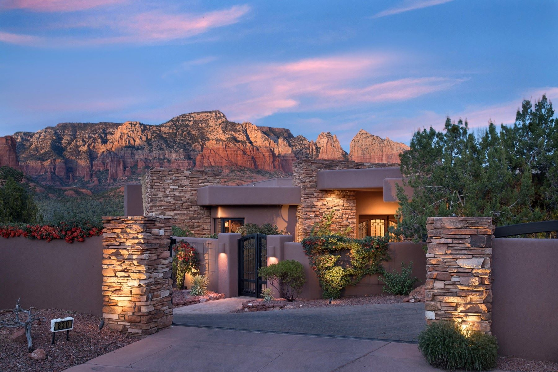 Single Family Home for Sale at Luxurious Custom Sedona home 830 Soldiers Pass Rd Sedona, Arizona 86336 United States