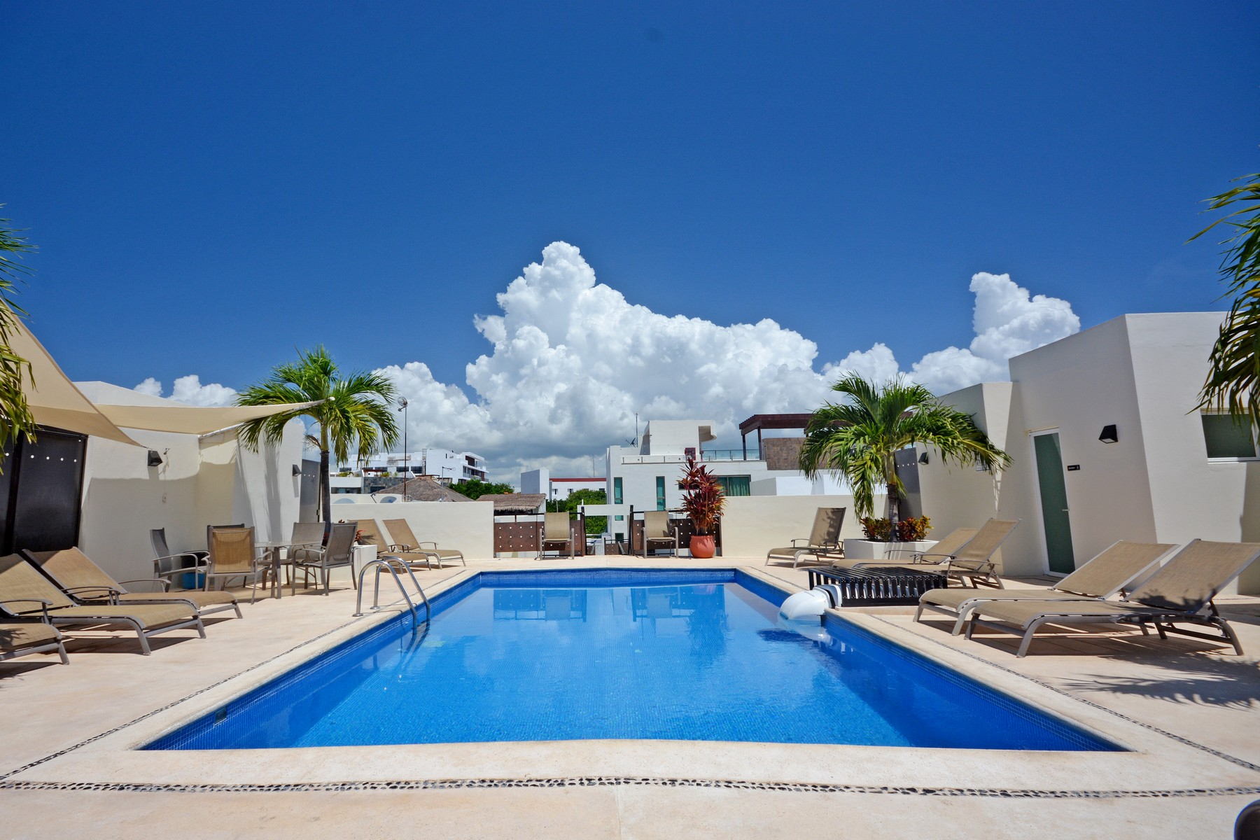 Additional photo for property listing at PENTHOUSE ESTILO CARIBEÑO 42nd Street, between Cozumel Avenue & 1st Avenue L-001, Mza 157 Playa Del Carmen, Quintana Roo 77710 México