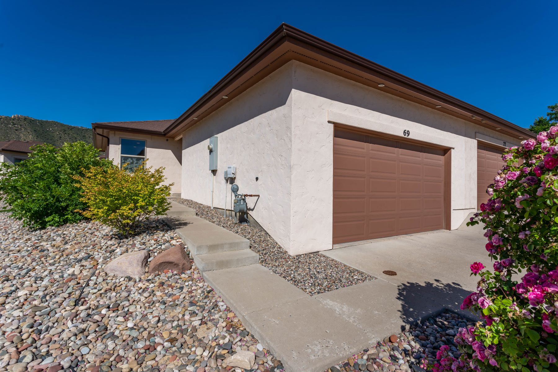 Duplex Homes por un Venta en CASTLE RIDGE, LOT 24A 69 Castle Ridge Drive, New Castle, Colorado 81647 Estados Unidos
