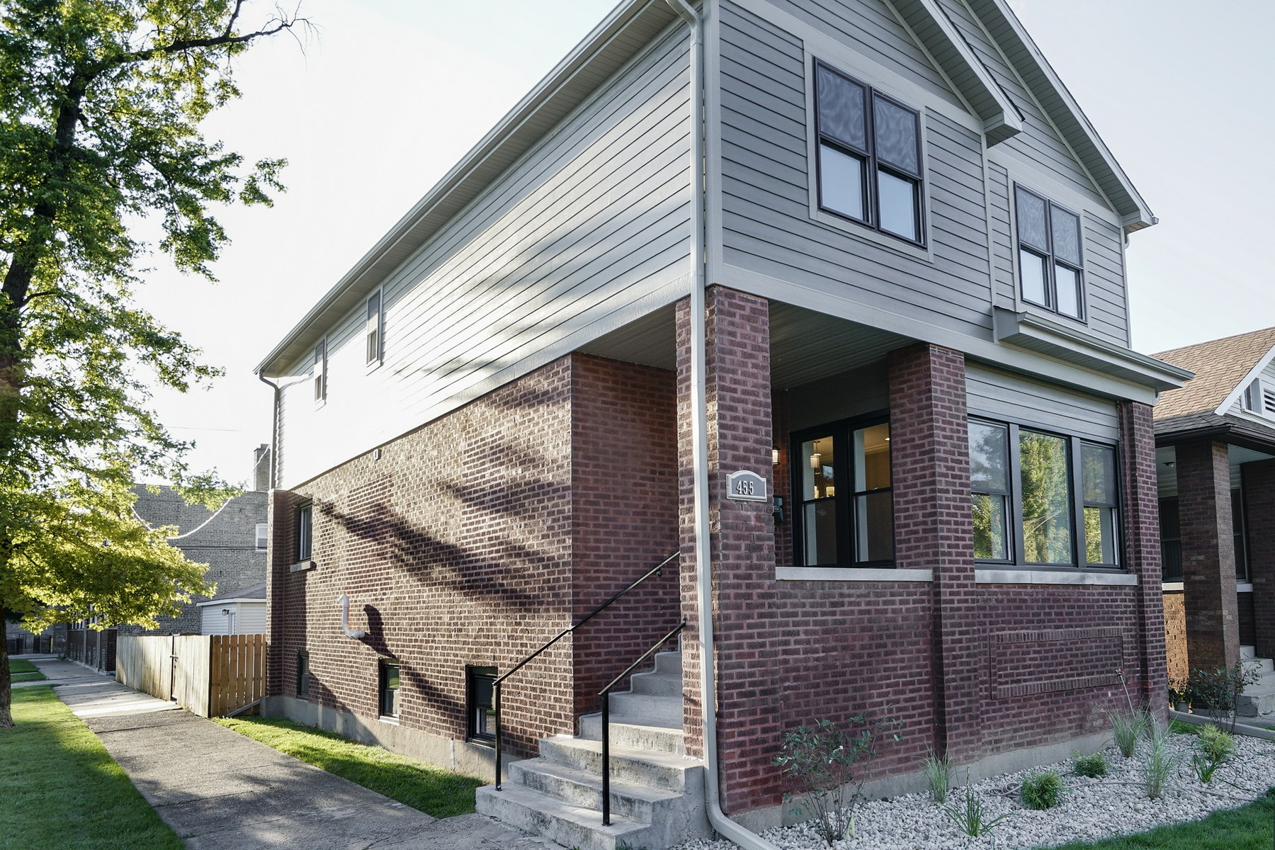 Casa para uma família para Venda às Large Contemporary Mayfair Home 4557 N Lowell Avenue Albany Park, Chicago, Illinois, 60630 Estados Unidos