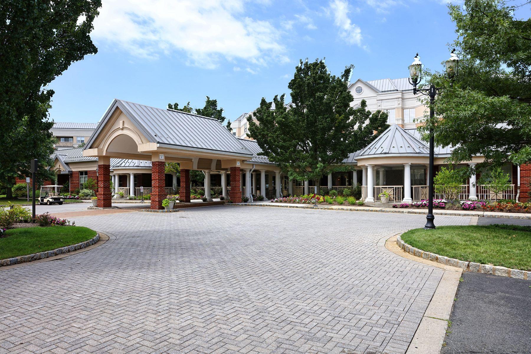 Кондоминиум для того Продажа на End Unit in Luxurious Princeton Windrows - Plainsboro Township 2220 Windrow Drive Princeton, Нью-Джерси, 08540 Соединенные Штаты