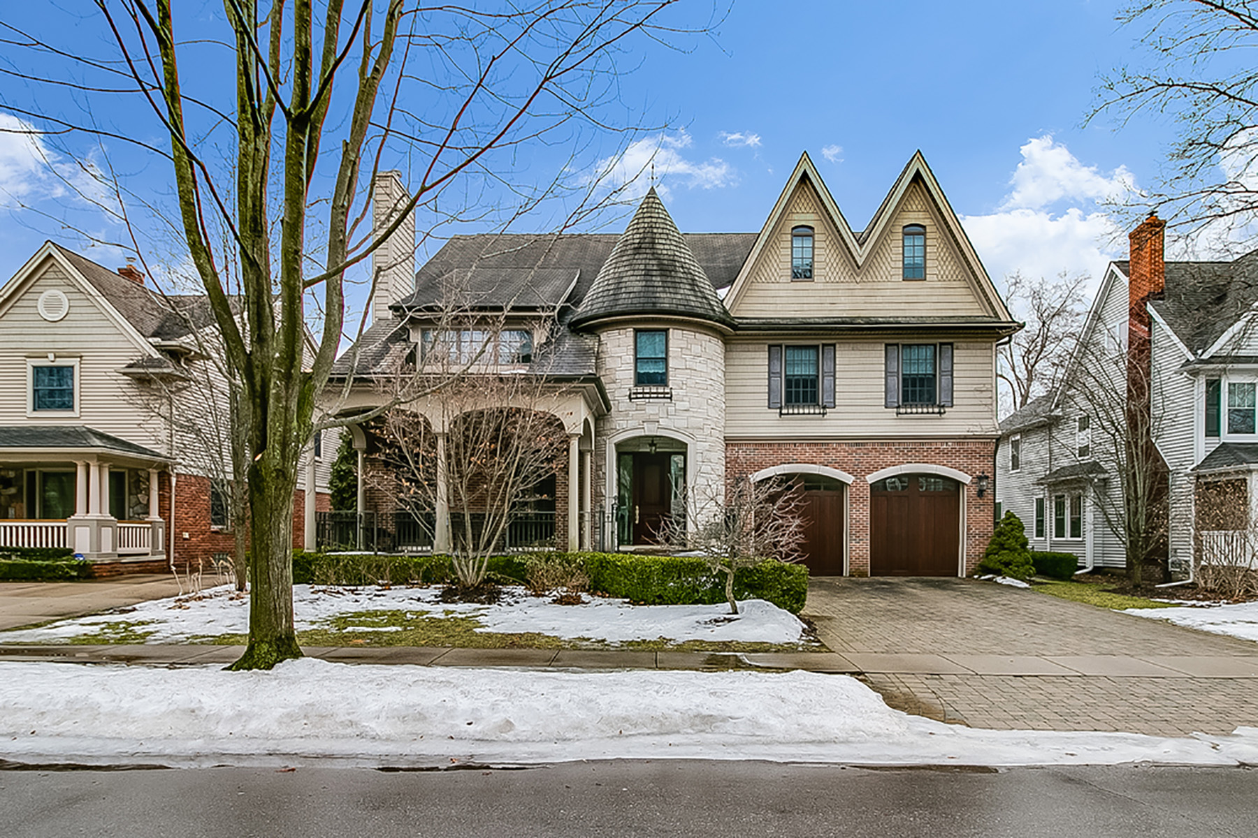 Single Family Homes for Sale at Birmingham 745 Wallace Birmingham, Michigan 48009 United States