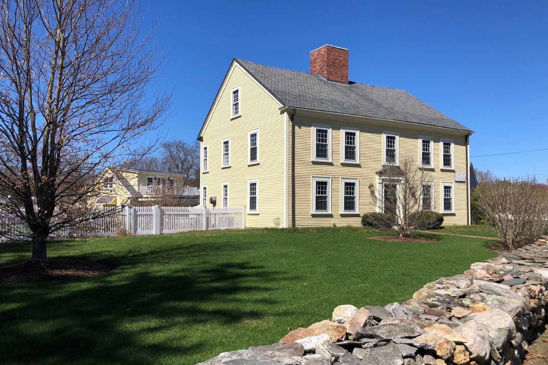 Single Family Home for Active at 191 Concord Road, Bedford 191 Concord Rd Bedford, Massachusetts 01730 United States