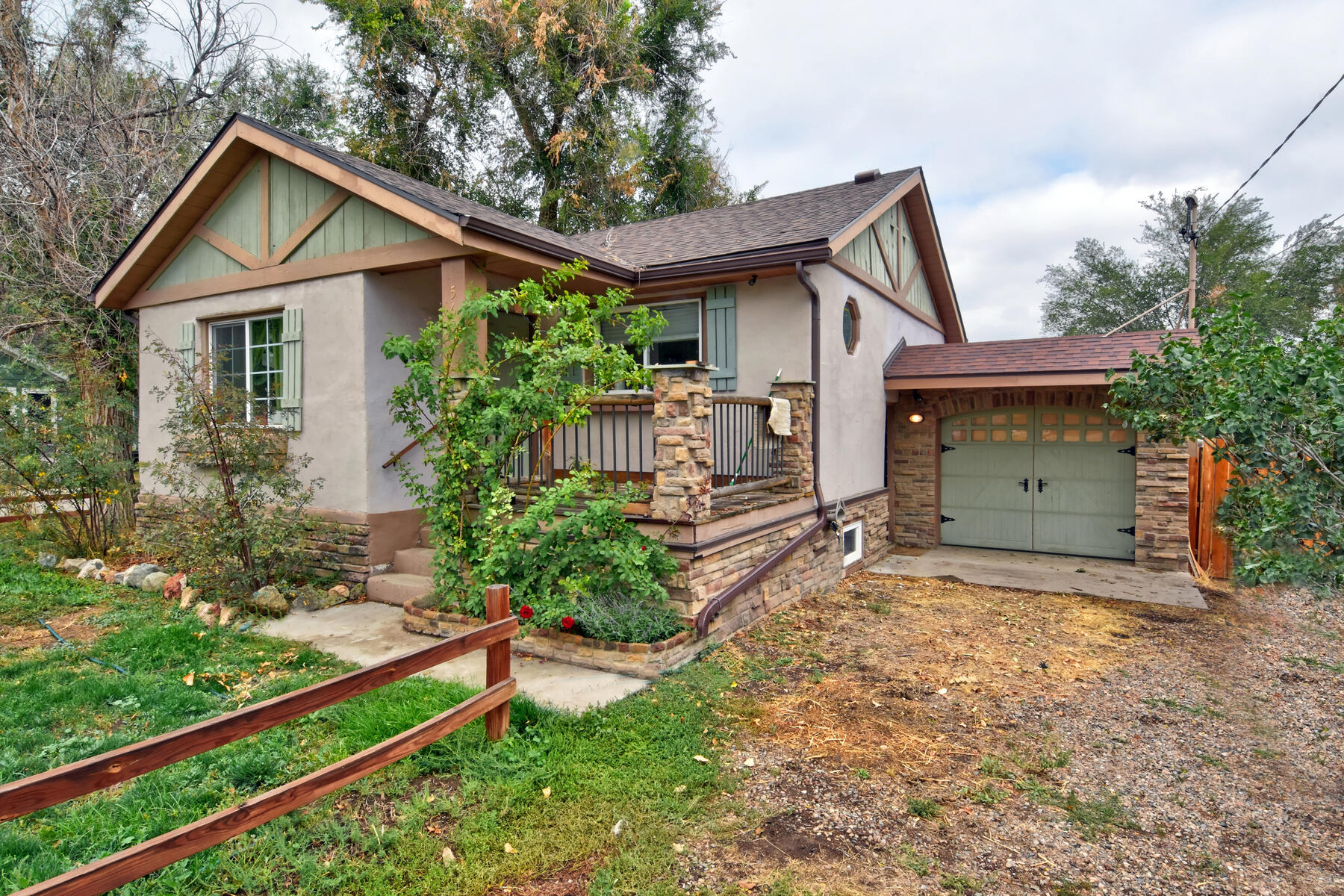 Single Family Homes for Sale at Wonderful Ranch Home On A Corner Lot 5637 W Virginia Ave Lakewood, Colorado 80226 United States