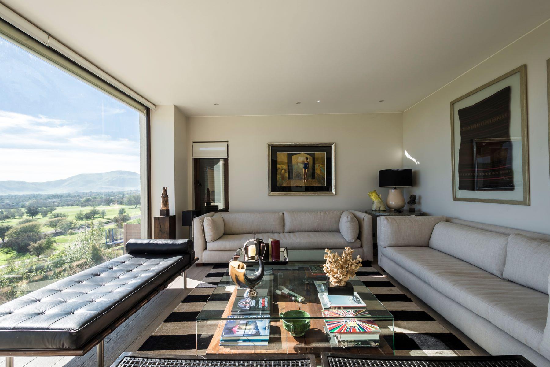 Частный односемейный дом для того Продажа на Spectacular Mediterranean Home in Chicureo Hacienda Colina, Region Metropolitana De Santiago, Чили