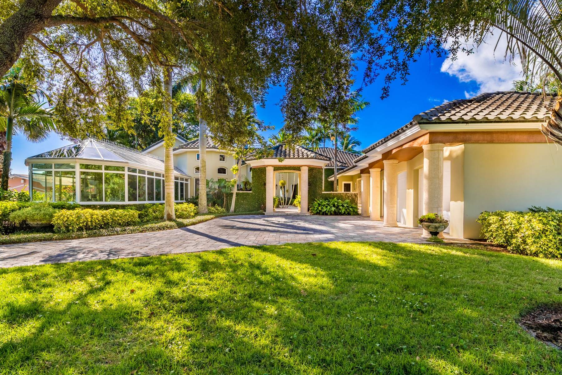 Single Family Homes for Sale at Spectacular Riverfront Home in Sunset Shores 200 Riverside Drive Melbourne Beach, Florida 32951 United States