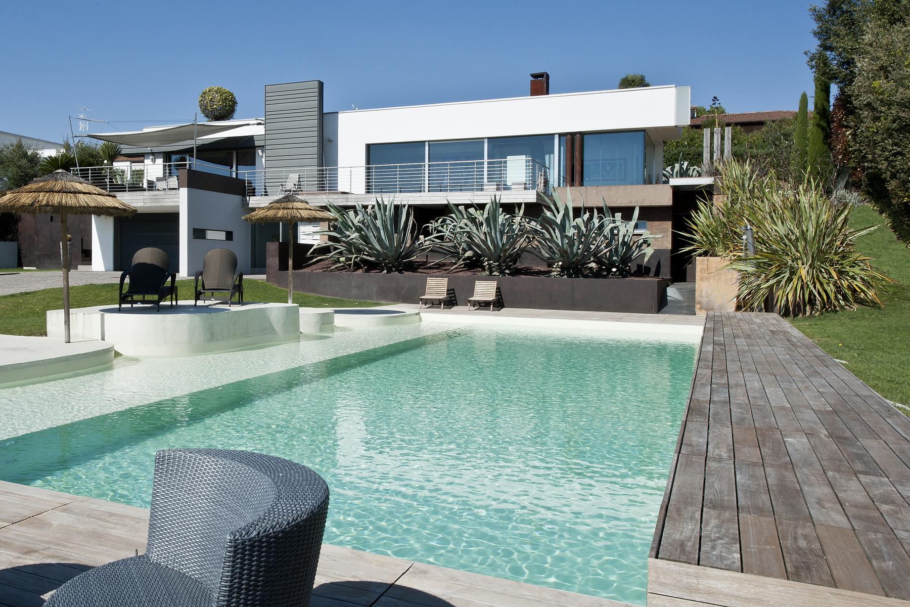 Villa per Vendita alle ore Esclusiva Villa con vista sul Lago di Garda Villaggio Dante Alighieri Other Brescia, Brescia 25080 Italia