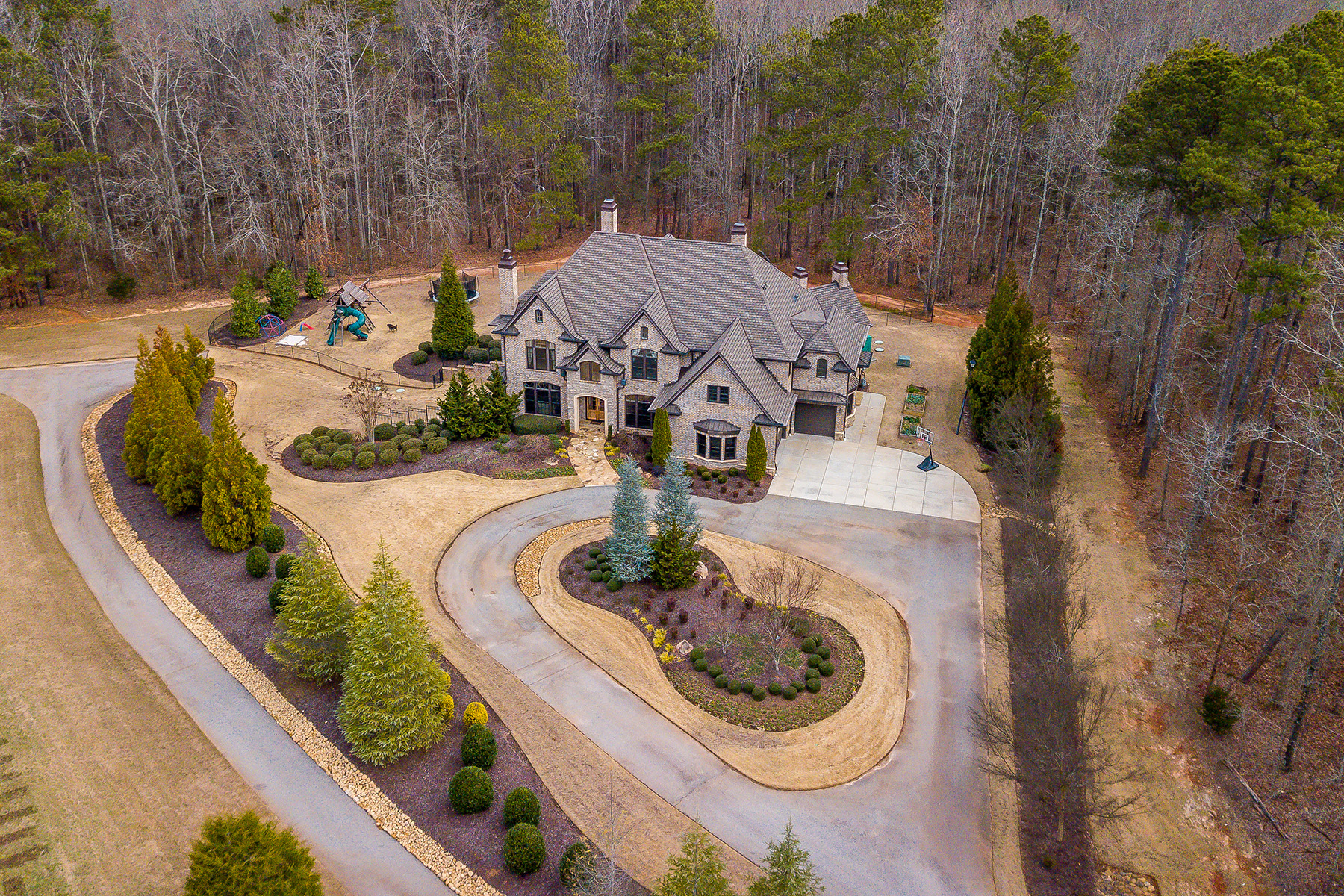 Single Family Homes للـ Sale في Gated Estate Offers Privacy and Endless Luxury. 1495 East Lake Road, McDonough, Georgia 30252 United States