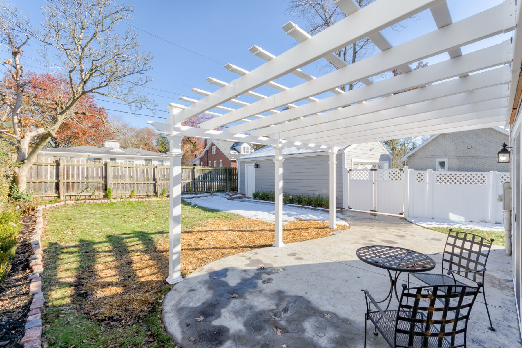 Additional photo for property listing at Midpark Lane 6 Midpark Lane Ladue, Missouri 63124 United States