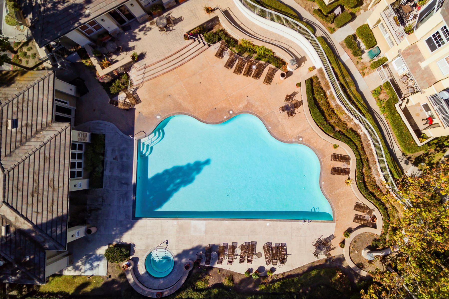Condominiums for Sale at 15 Woodcrest Lane Aliso Viejo, California 92656 United States