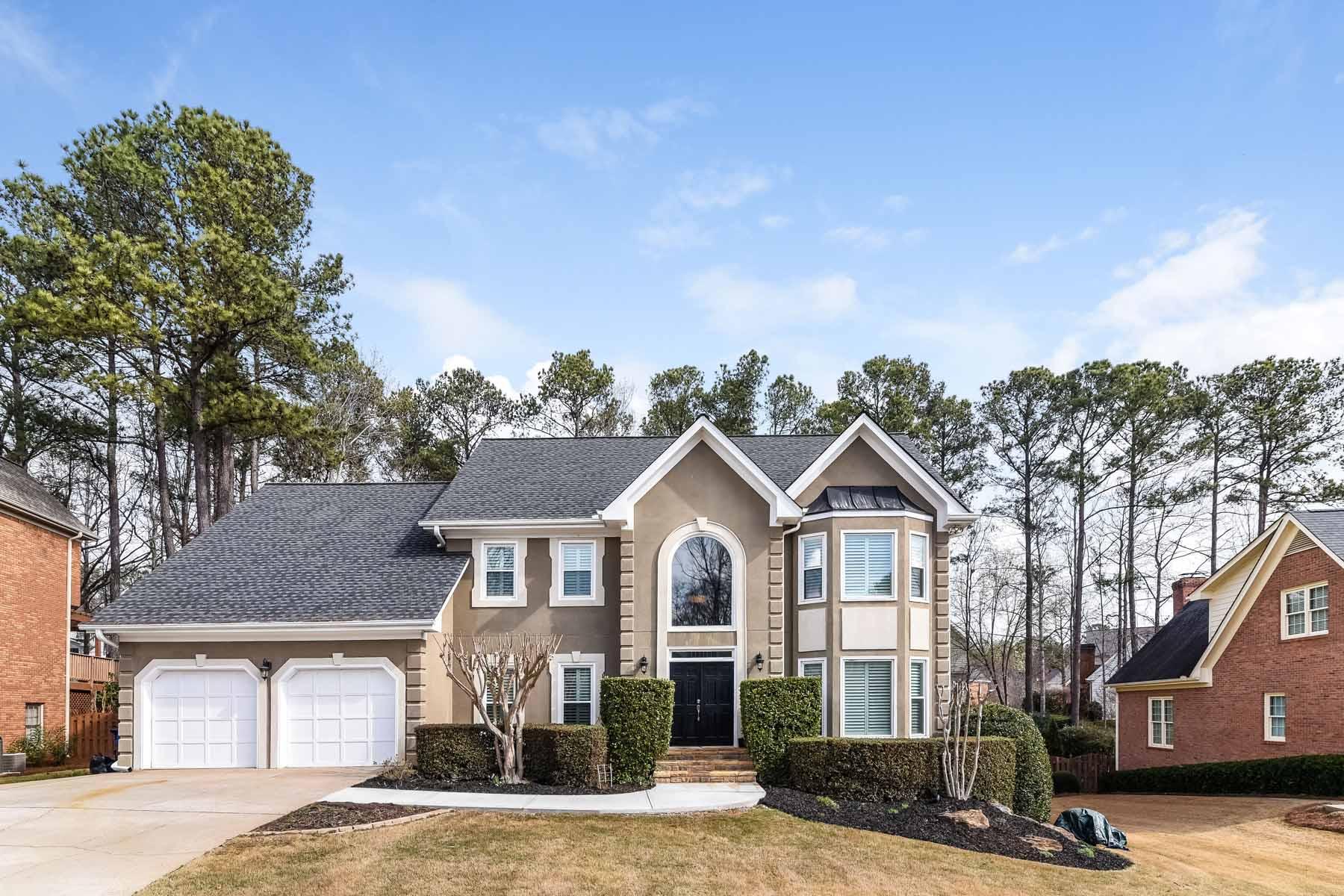 Nhà ở một gia đình vì Bán tại Wonderful Home With Outdoor Oasis Includes Heated Pool and Spa 10465 Tuxford Dr Alpharetta, Georgia, 30022 Hoa Kỳ