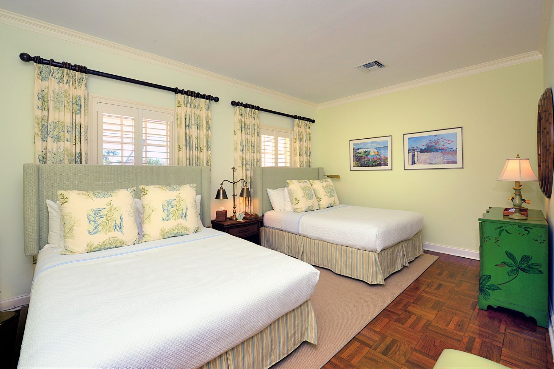 Additional photo for property listing at 8 Lyford Mews Lyford Cay, Nassau And Paradise Island Bahamas