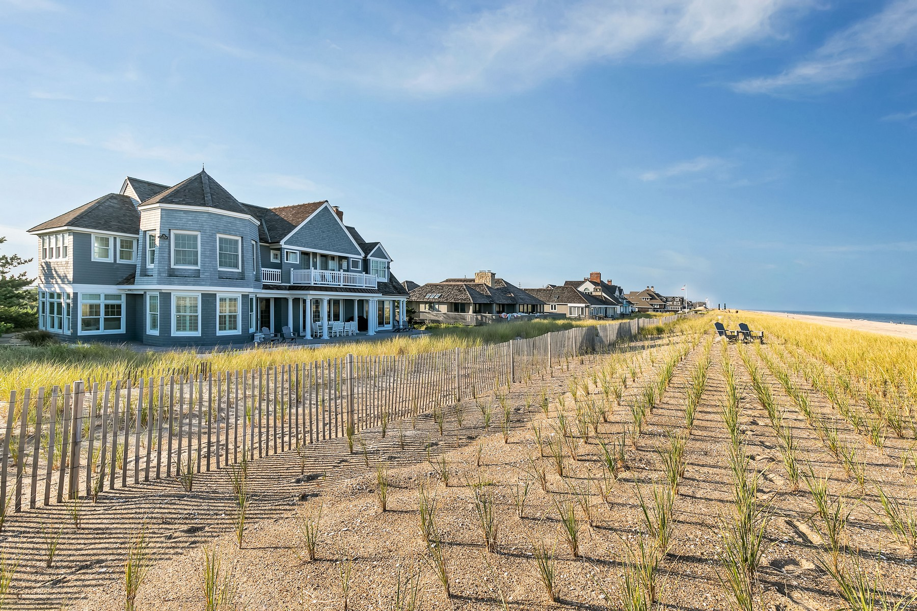 "Maison unifamiliale pour l Vente à Exquisite Oceanfront ""Beach House"" Designed Home 1437 Ocean Avenue, Mantoloking, New Jersey 08738 États-Unis"