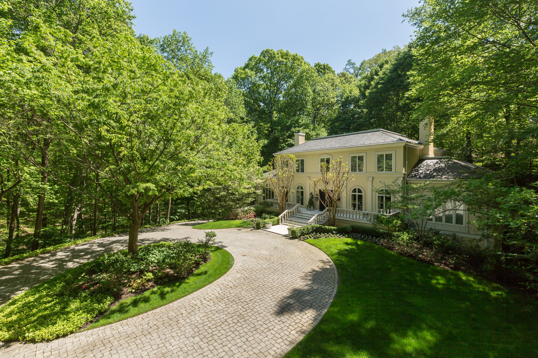 Additional photo for property listing at La Maison 1111 Crest Lane McLean, 버지니아 22101 미국