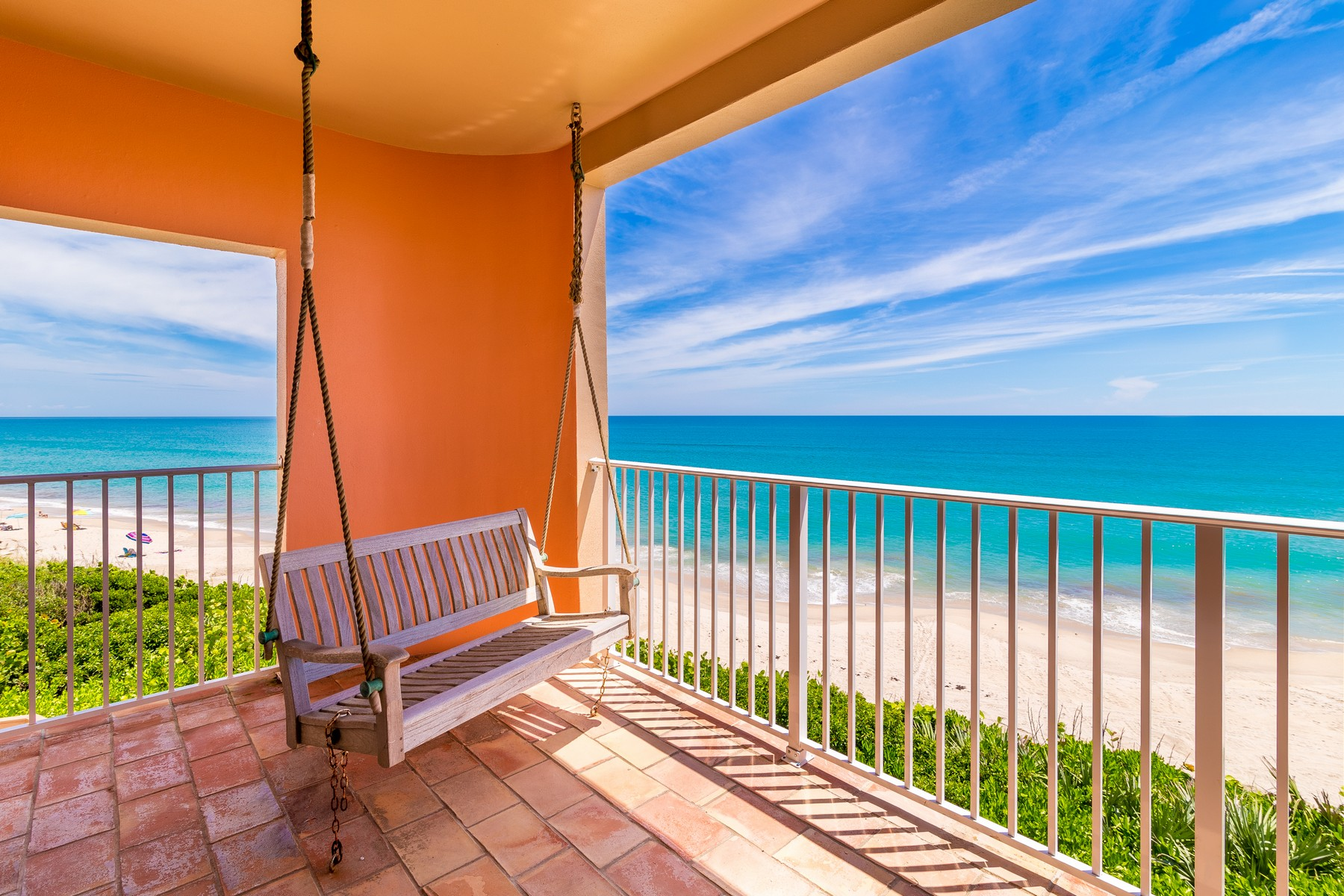 Additional photo for property listing at Oceanfront Castle! 7525 Highway A1A Melbourne Beach, Florida 32951 Amerika Birleşik Devletleri