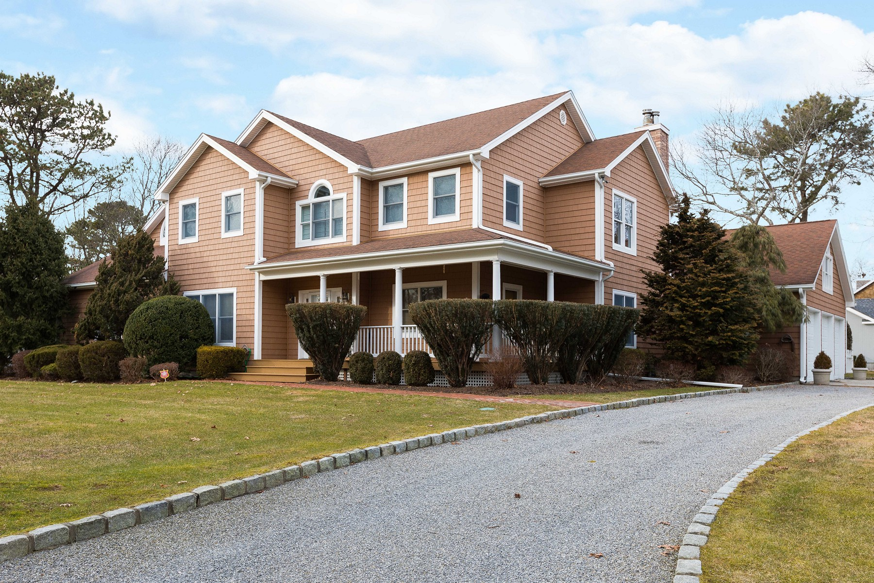 Single Family Home for Active at Westhampton Bch 1 Jeffrey Ln Westhampton Beach, New York 11978 United States