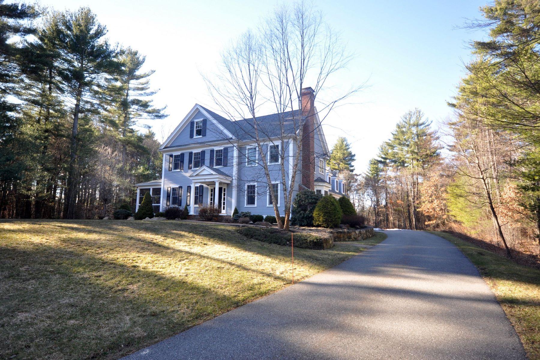 Maison unifamiliale pour l Vente à 79 Daniels Lane Carlisle, Massachusetts, 01741 États-Unis