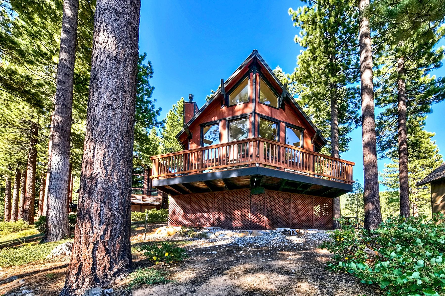 Single Family Homes for Active at 949 Dana Court #9, Incline Village, NV 89451 949 Dana Court #9 Incline Village, Nevada 89451 United States