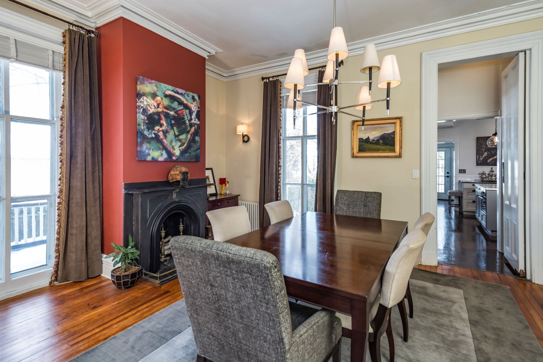 Additional photo for property listing at Victorian Charm and Modern Day Comforts 12 Murray Place, Princeton, New Jersey 08540 United States
