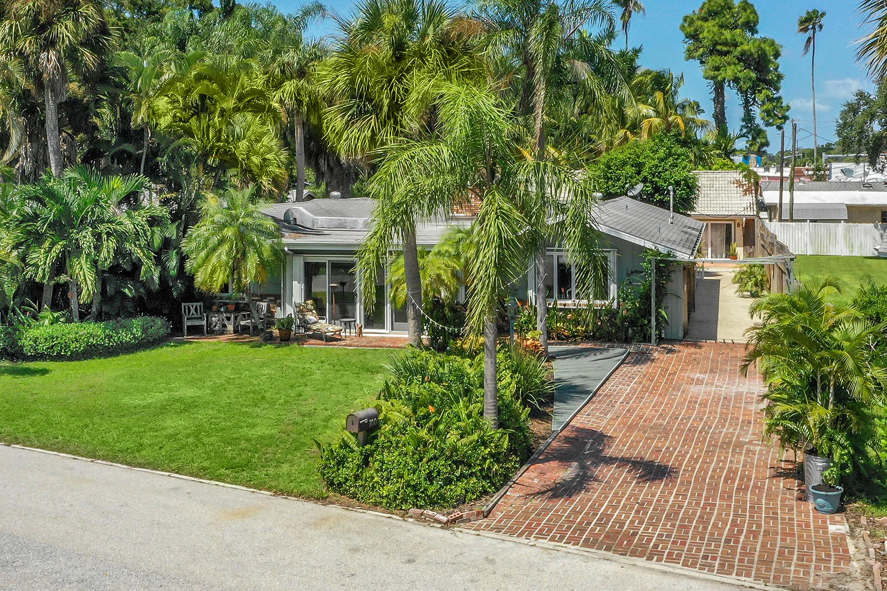 Single Family Homes for Sale at NOKOMIS 108 Sunrise Dr, Nokomis, Florida 34275 United States