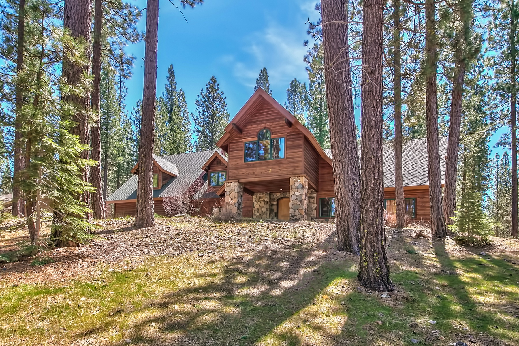 Single Family Home for Active at 596 Miner's Passage 596 Miner's Passage Clio, California 96106 United States
