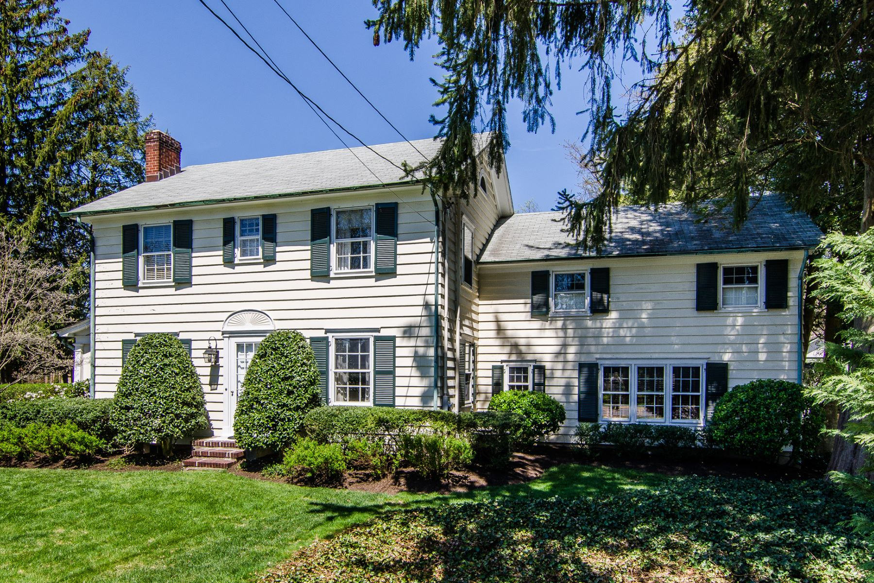 Single Family Home for Sale at Vintage Charm and Modern Convenience in Cranbury 10 Cranbury Neck Road Cranbury, New Jersey 08512 United States