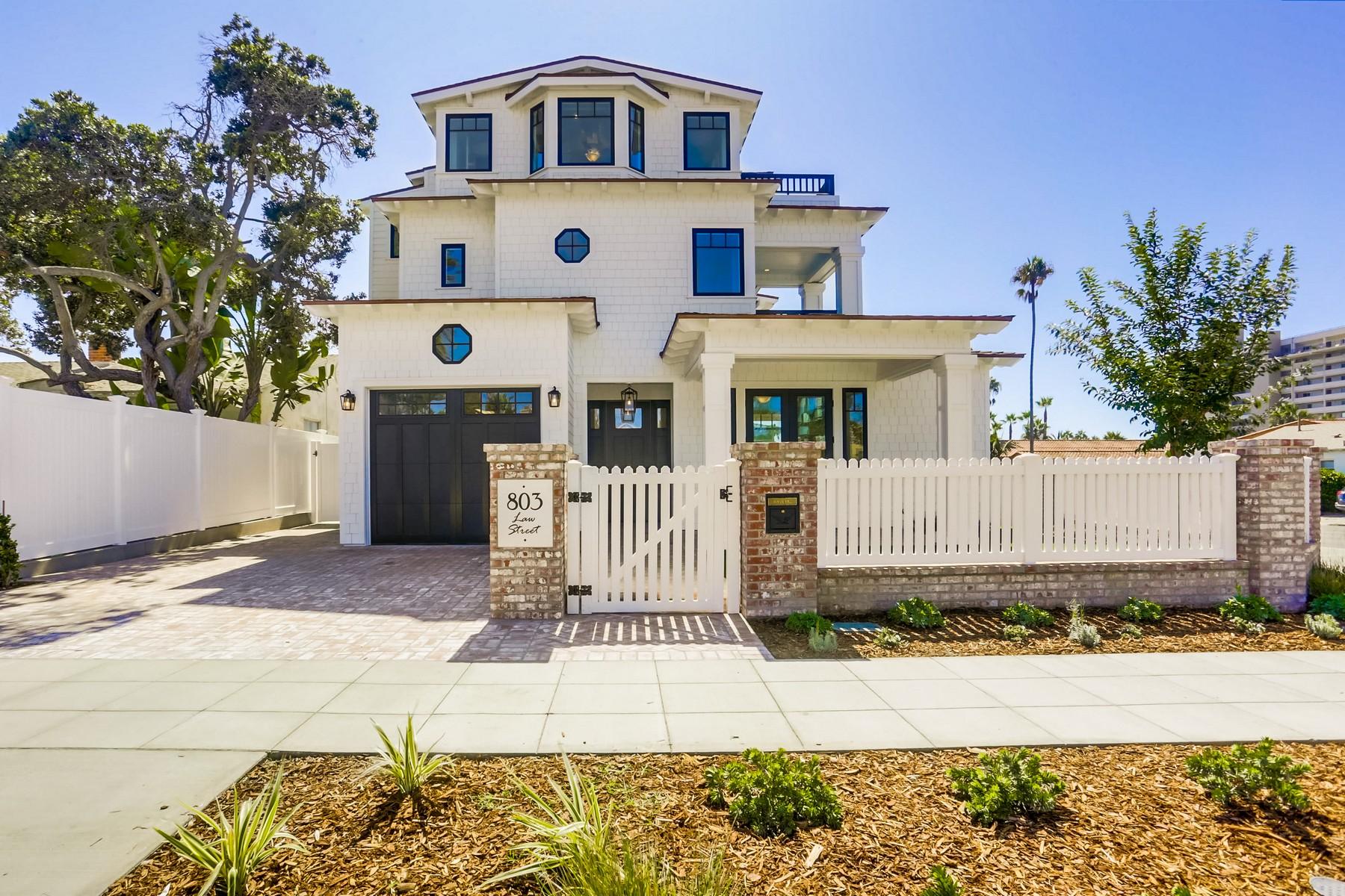 Single Family Homes 为 销售 在 803 Law St 圣地亚哥, 加利福尼亚州 92109 美国