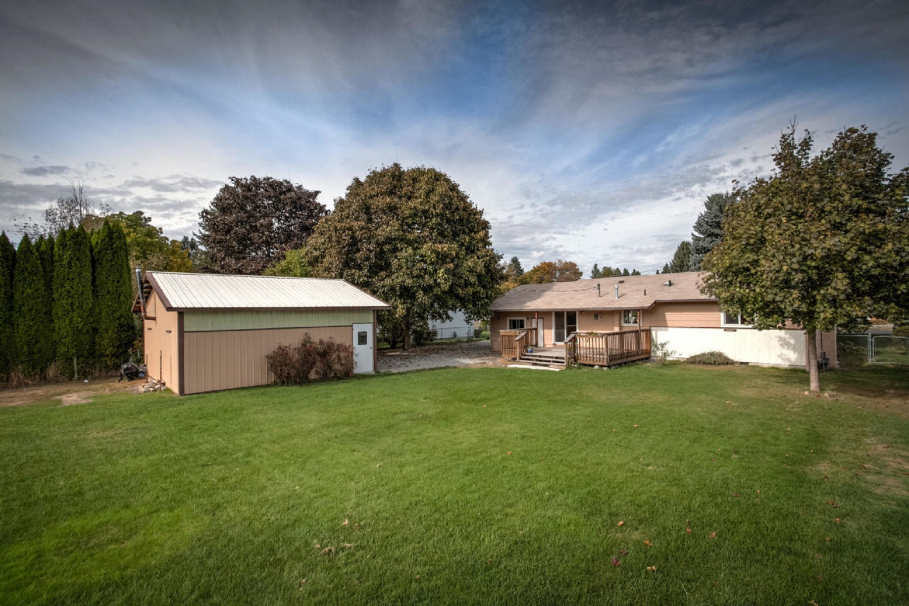 Single Family Homes for Active at Updated Rancher with Shop 320 E Dakota Ave Hayden, Idaho 83835 United States