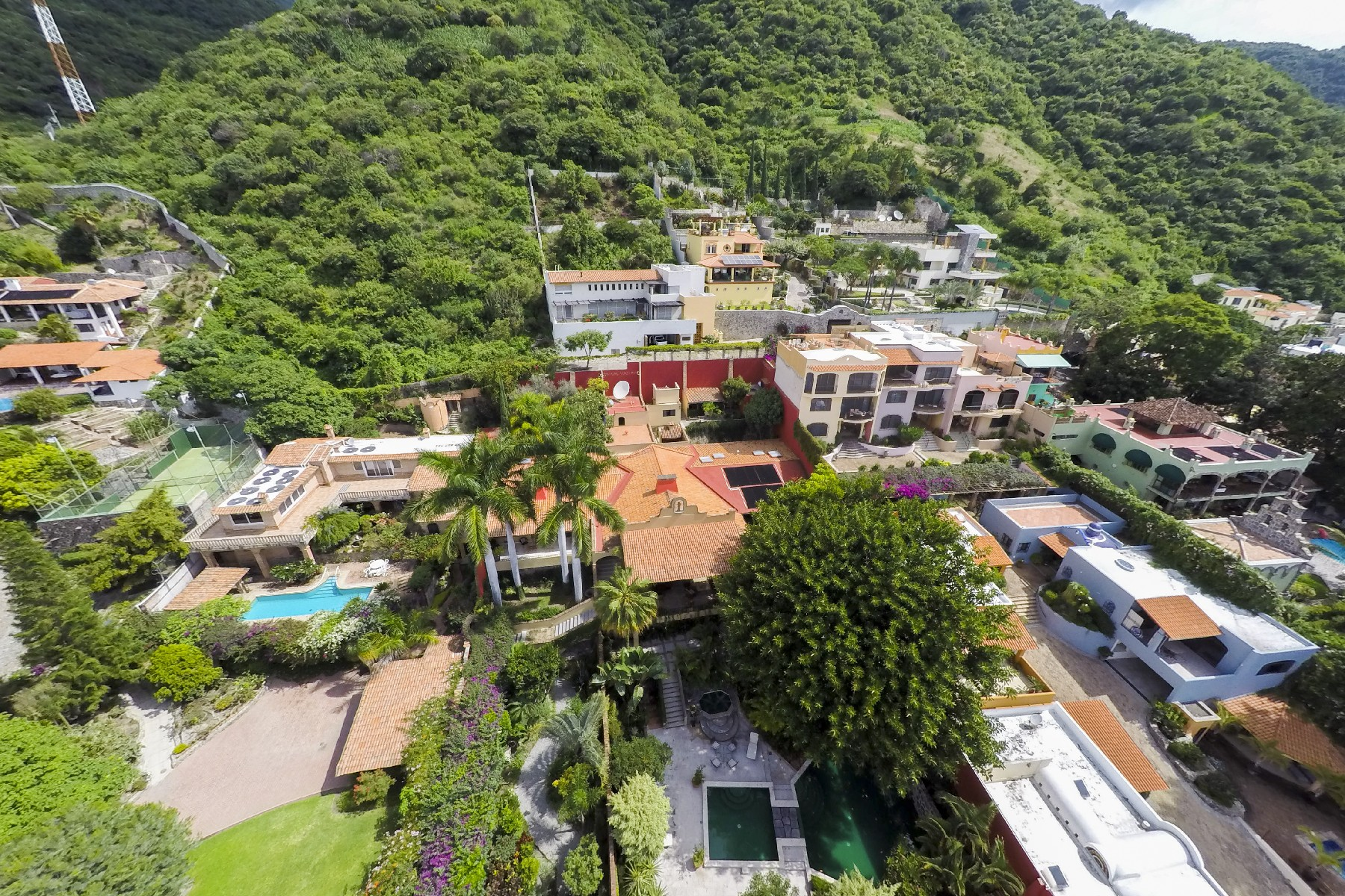 Additional photo for property listing at Casa Campana, Las Salvias, Ajijiic  Ajijic, Jalisco 45920 Mexico