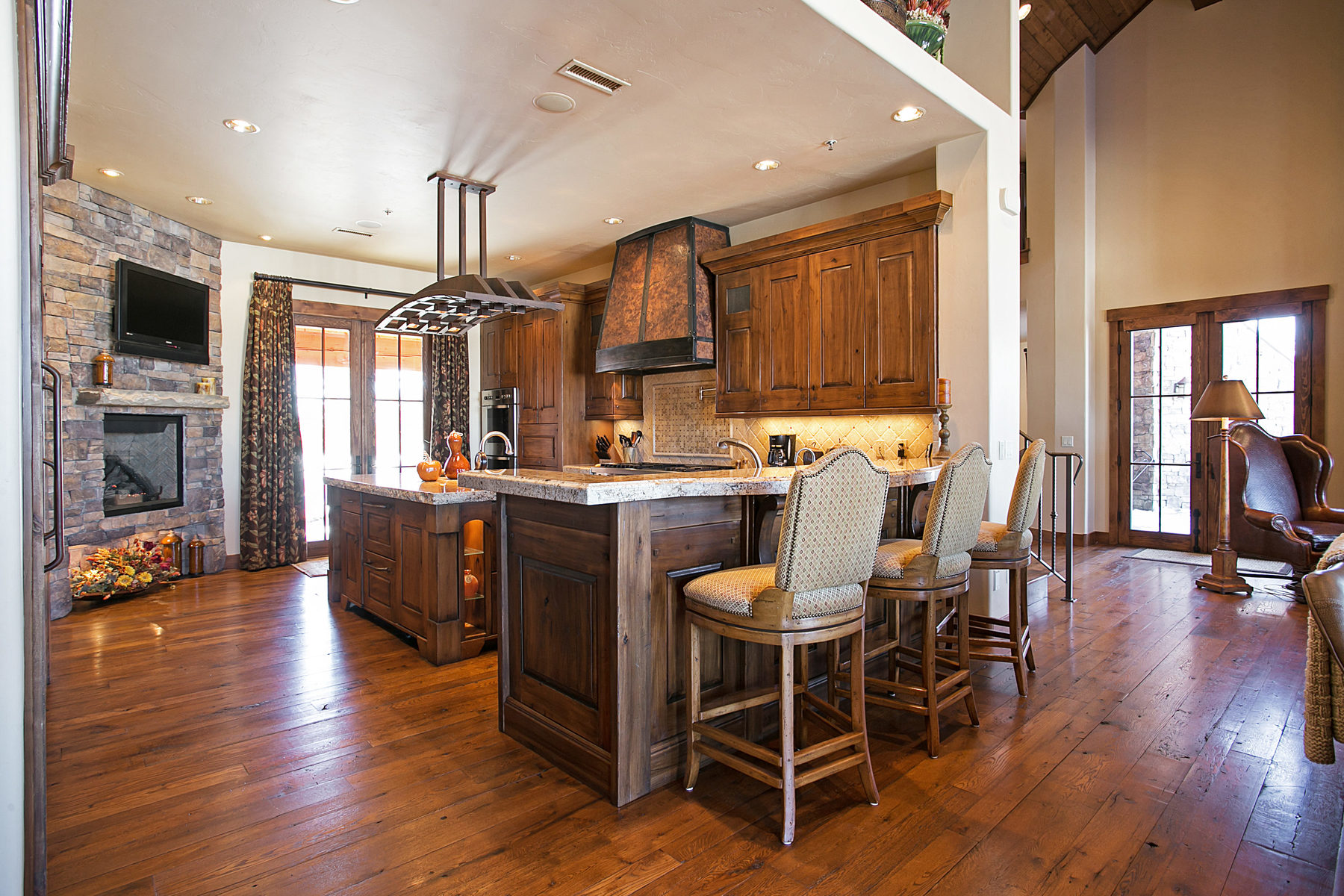 Additional photo for property listing at The Most Beautifully Upgraded Promontory Ranch Club Cabin You Will Ever See 3339 Tatanka Trl Park City, Utah 84098 United States