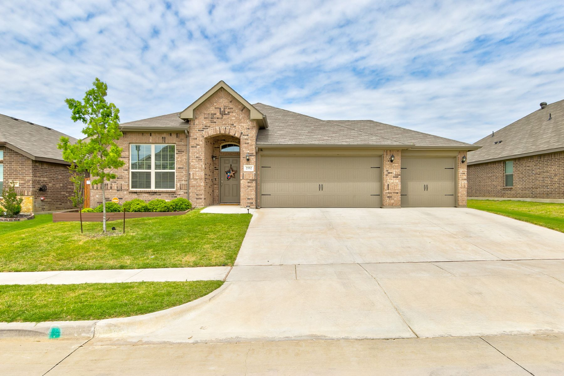 Single Family Homes for Sale at 2552 Weatherford Heights Drive, Weatherford, Texas 76087 United States