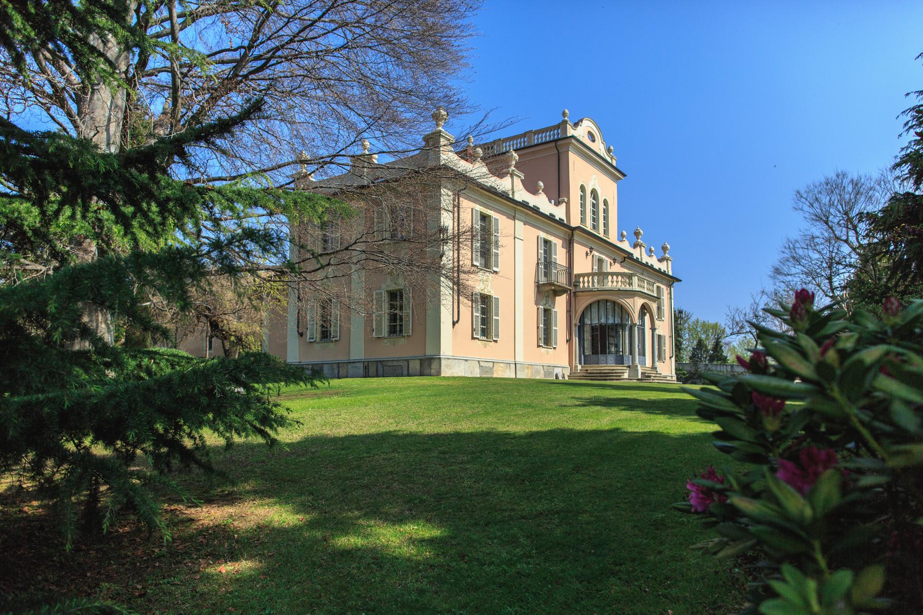 단독 가정 주택 용 매매 에 Gorgeous villa of late 17th century Pinerolo, Turin, 10064 이탈리아