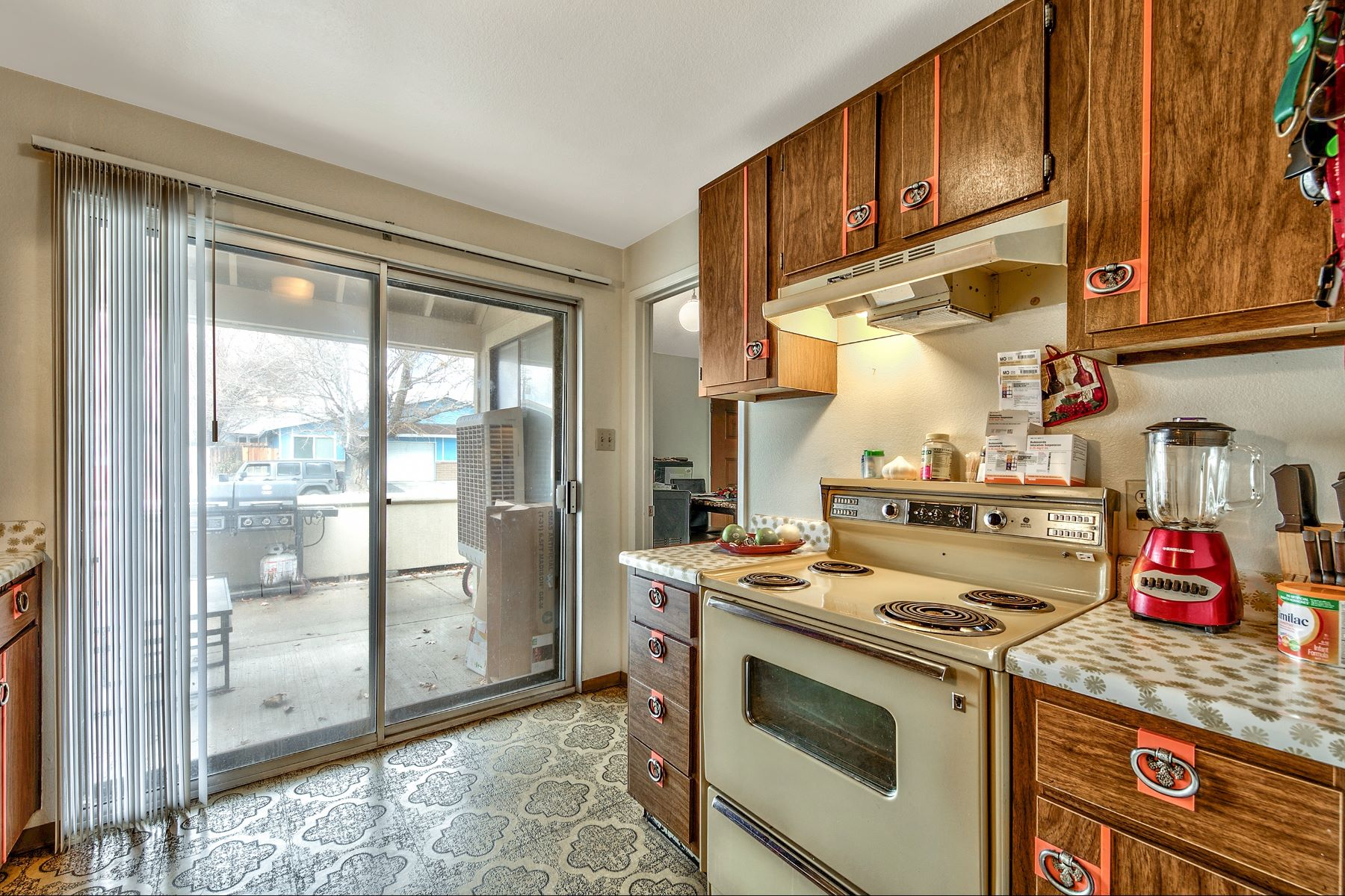 Additional photo for property listing at 1721 York Way, Sparks, NV 89431 1721 York Way 斯帕克斯, 内华达州 89431 美国