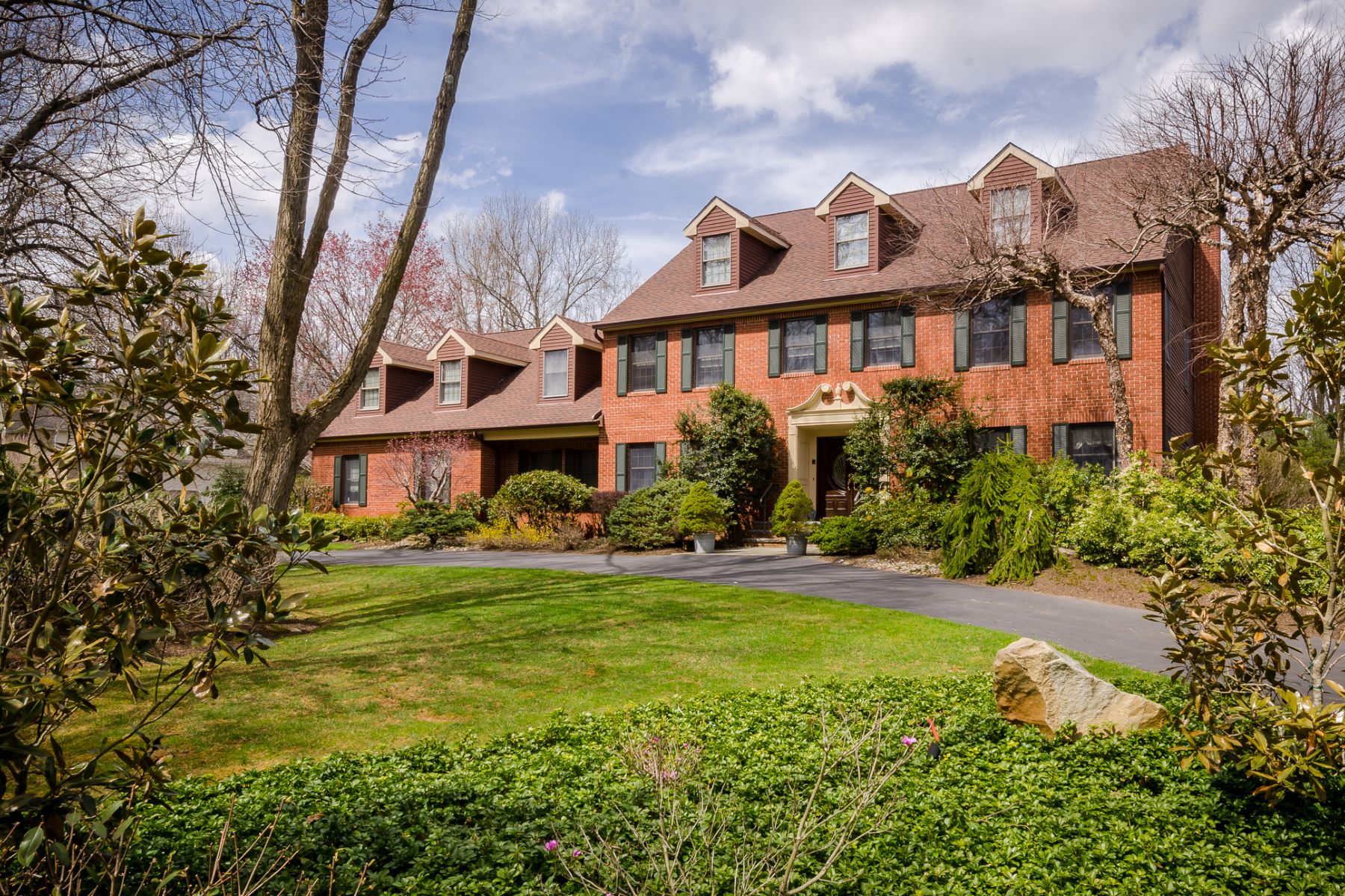 Single Family Homes for Sale at A Handsome Impression on a Princeton Cul-De-Sac 240 Arreton Road, Princeton, New Jersey 08540 United States