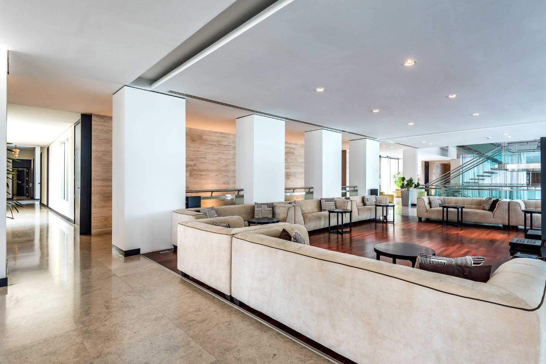 Additional photo for property listing at Private Palm Jumeirah Beachfront Palace Dubai, Dubai United Arab Emirates