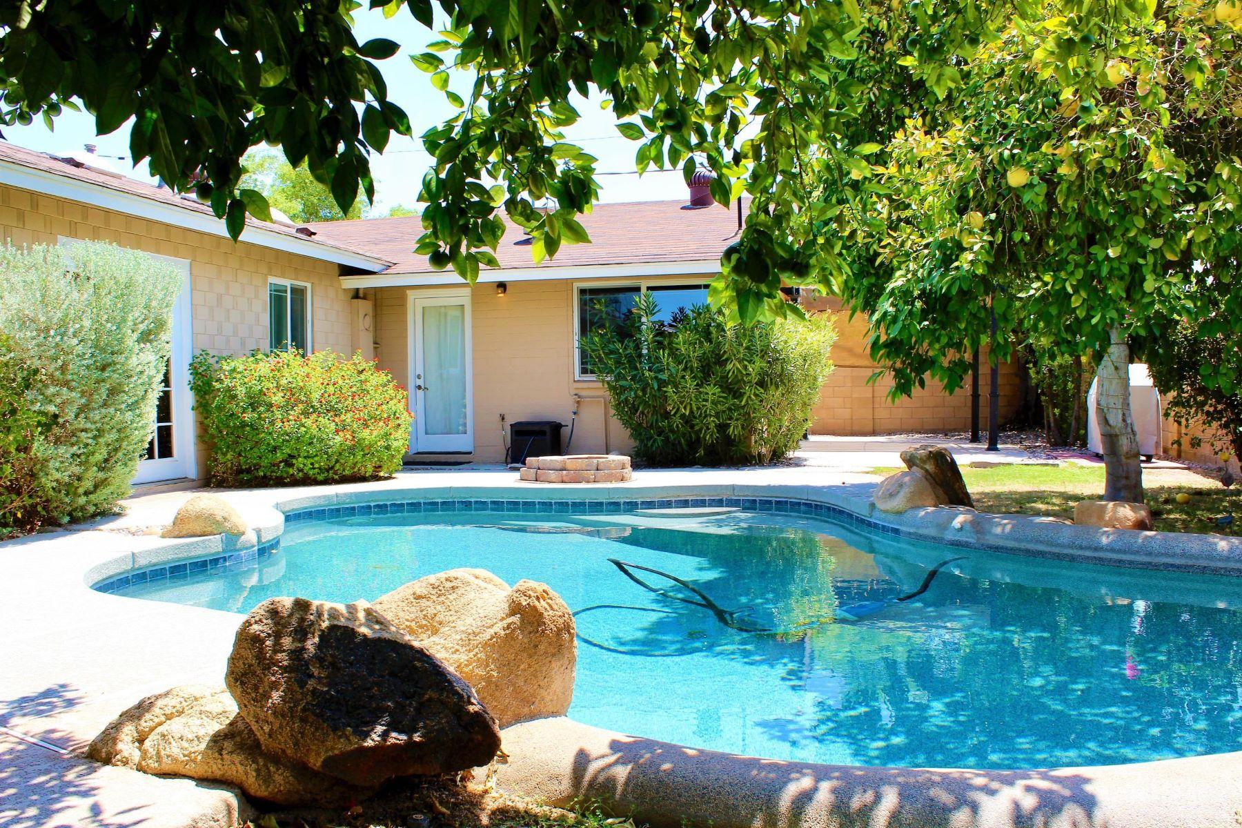 獨棟家庭住宅 為 出售 在 Updated single-level home n the heart of Old Town 8213 E Fairmount Ave Scottsdale, 亞利桑那州, 85251 美國