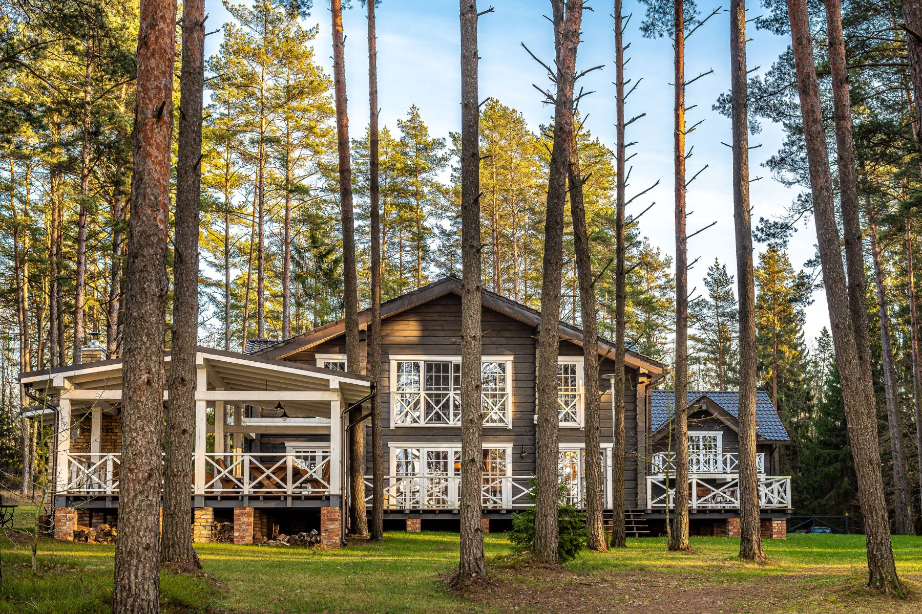 Single Family Homes por un Venta en A SUBURBAN RESIDENCE IN A BREATHTAKING LOCATION BY NATURE Other Utenos County, Utenos County Lituania