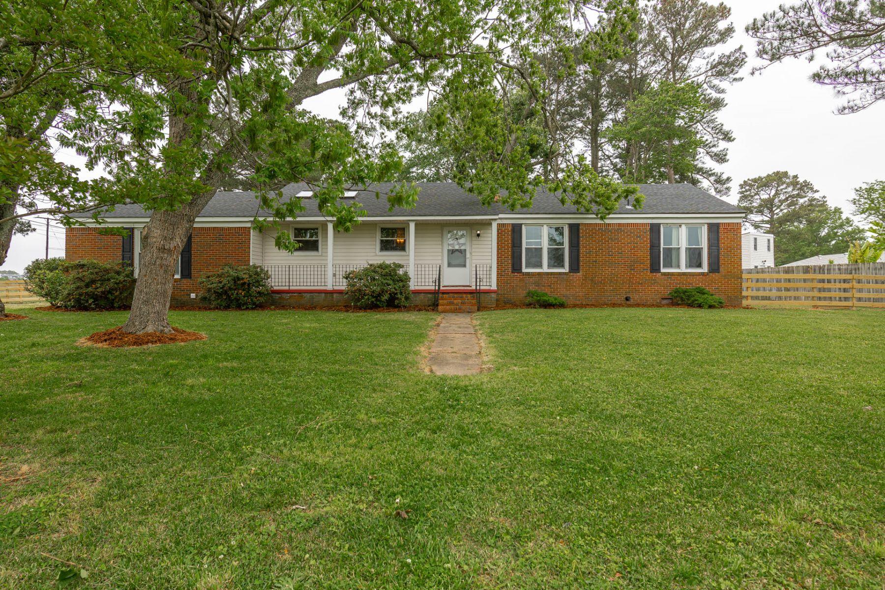 Single Family Homes 為 出售 在 MILTER ACRES 3661 Ferry Road, Suffolk, 弗吉尼亞州 23435 美國
